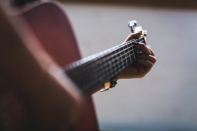 Gitarre mit Bokeh