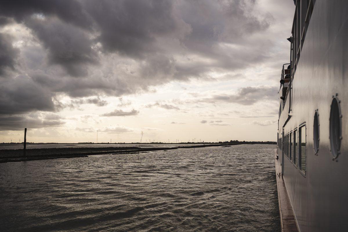 Der Ausblick aus der Langeoogfähre zum Meer